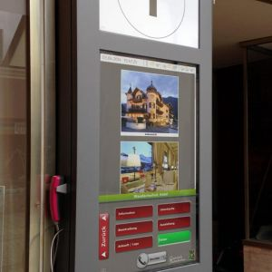 Garmisch-Partenkirchen-interaktives Touch-Board mit Hotel Direktruf